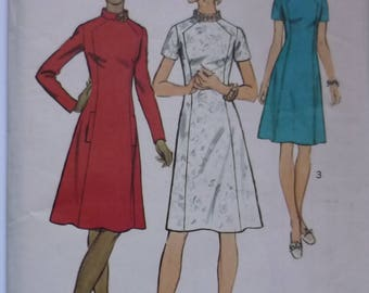 "Vintage Sewing Pattern. Simplicity 5324. Dress pattern  bust 44"" 1972. FF unused"