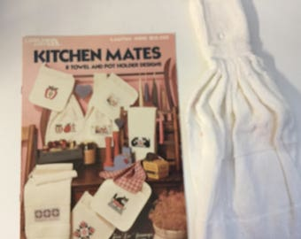 """Counted Cross Stitch """"Kitchen Mates"""" 8 Designs by Leisure Arts Leaflet 488 Bridal Shower Gift, Housewarming Gift, Plus Cross Stitch Towel"""