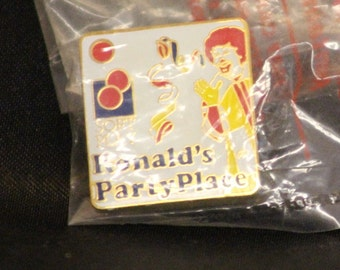 Vintage McDonalds Ronald's Party Place Soft Play Pin Vintage Tack Pin Golden Arches