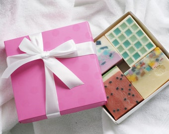 Christmas Handmade Soap Gift Set, Organic Soaps, Gift Box. Handmade Soap Gift Set