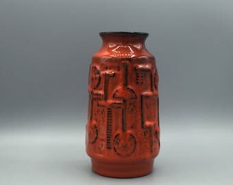 Bay Keramik 952 - 17, Bodo Mans design, decor : Narvik, Vintage Mid Century  1960s /1970s colourful red Vase  West Germany Pottery. WGP.
