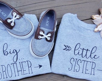 Sibling shirts set of 2--matching sibling shirts-- Big Little Brother Sister-- Baby Announcement--family photos--newborn outfit