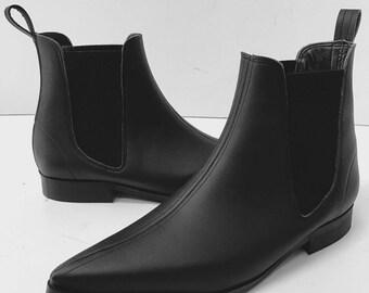 Chelsea Winklepicker Boots in Black Leather