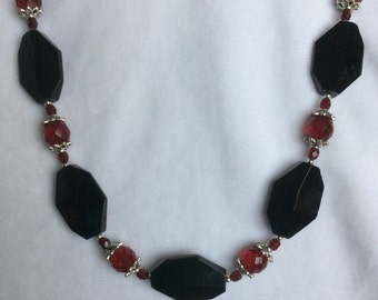 Chunky Black and Red Adjustable Necklace