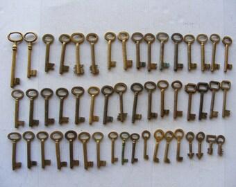 Lot 50 old vintage brass antique skeleton keys all are brass