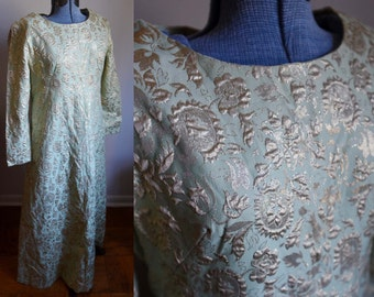 Medium - Beautiful Metallic Vintage Dress