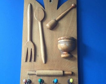 Kitchen Hooks. Rack with Four Hooks. Wooden Board with Kitchen Ustensils Motif. Atomic Design Hooks. Kitchen Decor. Kitchen Towel Hooks