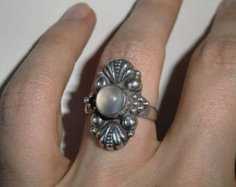 Sterling Ring with light stone true vintage ethnic 925 sterling silver