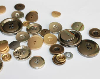 Metal buttons, assorted colors and sizes, medium large metal buttons, silver, old brass, old copper metal buttons, lot of 20