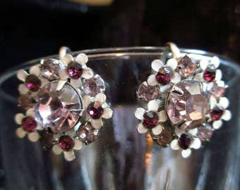 Weiss earrings Vintage pink rhinestones Daisy flower screw back silver tone Faceted enamel ruby red fashion designer prong set crystals rare
