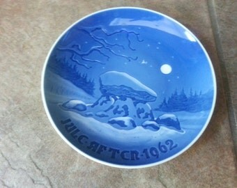 Vintage Bing and Grondahl Christmas Plate 1962 Jule After Oldtidsminde  Beautiful Blue and White Tones of Color Draws One Deeper Fine Find