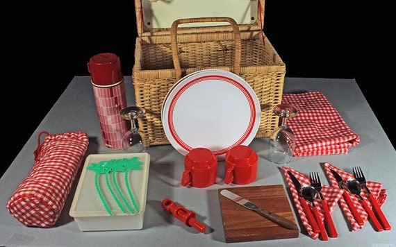 Wicker Picnic Basket, Picnic Time, Picnic For 2, Accessories Included, Lunch Basket, Picnic Hamper