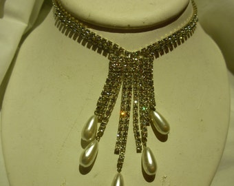 D84 Vintage Rhinestone and Faux Pearl Necklace.