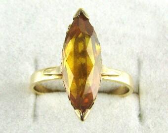 Gorgeous Vintage 18 Carat Gold Citrine Ring 3.42 Grams.