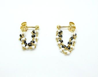 Amazing 18 Carat Gold Black And White Beaded Chains Stud Earrings.