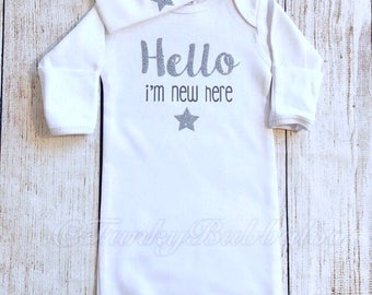 Unisex Hello Newborn Outfit - Sleepsuit, Hat & Mittens - Take Home Coming Home, Baby Girl Boy Onesie, Photo Prop, Baby Shower Gift