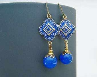 Earrings royal blue aventurine clover leaf brass blue patina