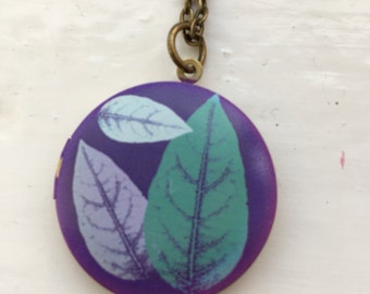 Leaf locket