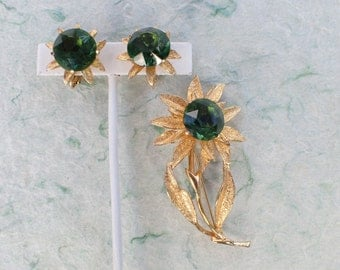 Signed HOBE Flower brooch and clip on earring set AB860