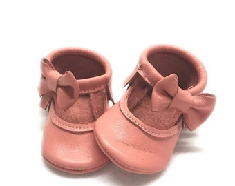 Coral pink Mary Janes moccasins -  baby Shoes with soft soles - embroidery name / message / DOB
