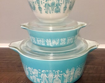 Beautiful Trio Of Vintage Blue Amish Butterprint Pyrex, Two Round Covered Casseroles, and One Mixing Bowl, NJ Estate.