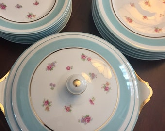 Very Rare Set Of Robins Egg Blue Haviland Limoges Dinnerware, Made In France, Bone China, 24 K Gold Trim, NC Estate.