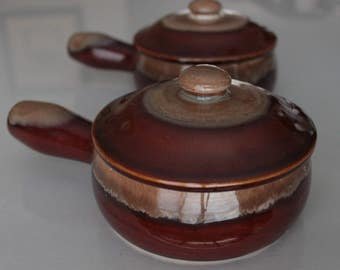 Set of 2 Vintage Clay French Onion Soup Bowls with Handles and Lids. Stoneware Bowls.