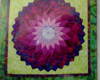 """Printed Interfacing-Dahlia 40""""Flower,Quiltsmart,Dahlia Quilt Pattern, Wall Hanging/Table Topper Quilt Pattern, Quiltsmart Dahlia Interfacing"""