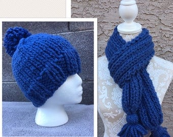 Woman's Hat & Scarf Set, Knitted