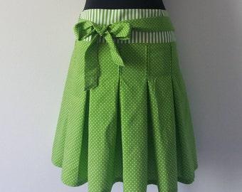 Pleated skirt pleat PolkaDots