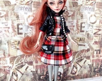 Monster High Repaint, Custom Monster High Doll, OOAK Doll - Ghoulia Yelps - Art Doll, Doll Faceup