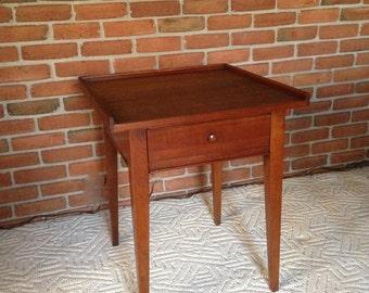 Vintage Lane Altavista   FOLK ART Style   End Table With Single Dovetail  Draw   Excellent