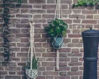 Macrame Plant Hanger / Plant Holder / Macrame Plant Holder / Pot Hanger / Long Plant Hanger / Plant Hanger / Handmade Plant Hanger
