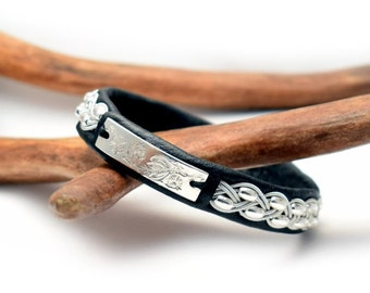 Swedish Sami Bracelet of pewter thread with 4 % silver  and reindeer leather - Made in Sweden - TORNEDALEN