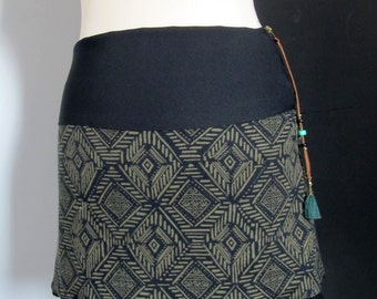 Green and Black jersey skirt XS Aztec