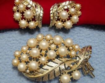 SALE!!  Coro Faux Pearl Brooch and Earrings Set Demi Parure (was 18.00)