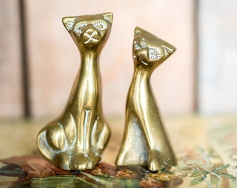 Vintage Brass Cats Kittens Set - Two Figurine Cat Kitten Set - Vintage Decor - Mid Century Library Desk Shelf Home Decor