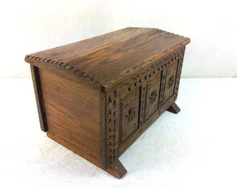 Vintage Wooden Chest Wood Carved Box Wooden Jewelry Box Storage Case Decorative Wooden Suitcase Cosplay Steampunk LARP Nr 1