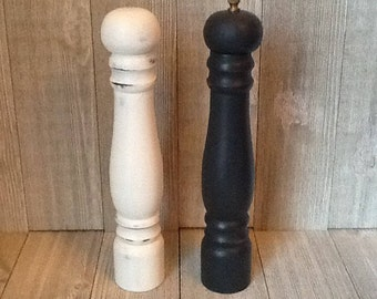 Tall Salt and Pepper Shaker Set, Distressed Black and White Salt and Pepper Shakers, Shabby Cottage Turned Wood Salt and Pepper Shakers
