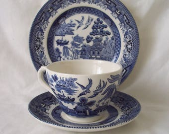 Blue & White Willow Pattern Trio Teacup, Saucer, Plate Broadhurst Willow Pattern c.1950