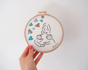 Embroidery modern wall turquoise - MOM baby child - mother's day / 16 cm diameter
