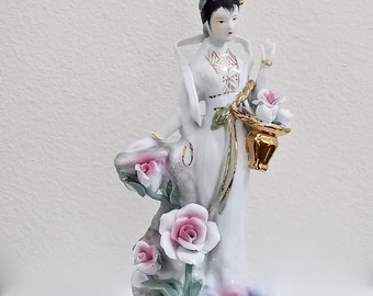 Japanese Geisha Porcelain Figurine-White Geisha Girl-Asian Decor-Japanese Decor-Oriental Decor