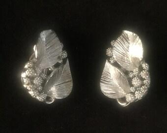 Vintage Lisner Clip-on Earrings