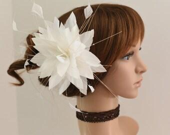 Wedding Fascinator, Bridal Hair Comb,Wedding Hair Comb,Feather Flower Comb Fascinator 13A (White)