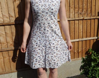 1960s cotton floral print summer dress.