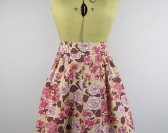 1950s Floral Pinny- 8-12 Mid Century, Hostess