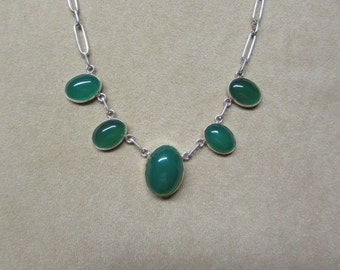 Incredible Rich Green Onyx STERLING silver tapering necklace.
