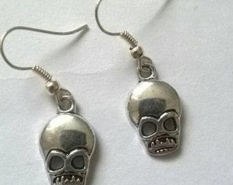 Handmade earrings with skulls