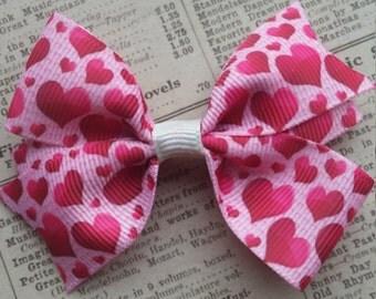 Heart Hair Bow, girls hair bows, toddler hair bows, cute hair, party favors