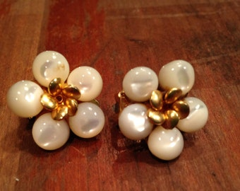 Vintage Cluster Clip On Earrings with Gold Tone and Cream Glass Flowers